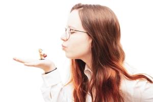 NPN-Team member: Elisabeth mit einer Lego-Chipmunk-Figur